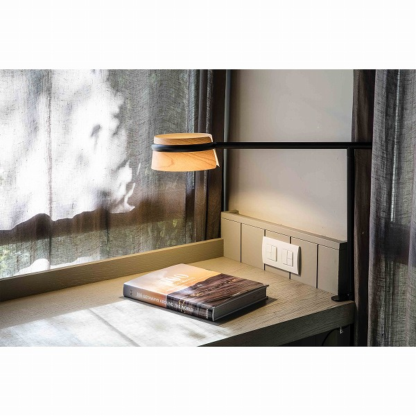 LOOP LED Black table lamp with clip